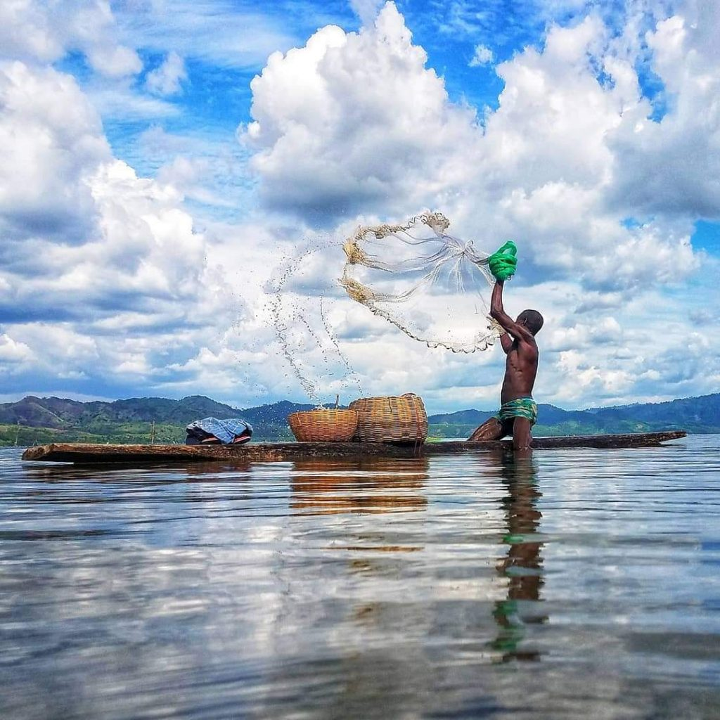 AAS photography competition runner up - Fisherman casts his net on Lake Bosomtwe